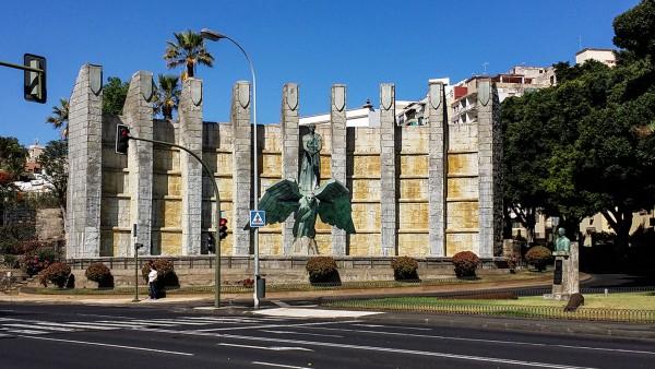 Foto 01 - Monumento A Los Caídos