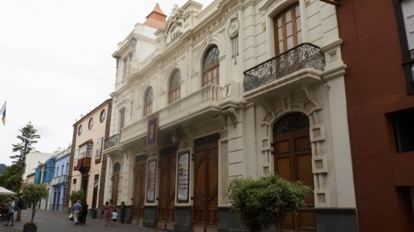 Foto 01 - Teatro Leal