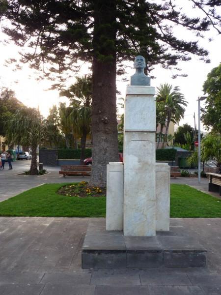Foto 03 - Plaza De La Junta Suprema - Plaza De Los Bolos
